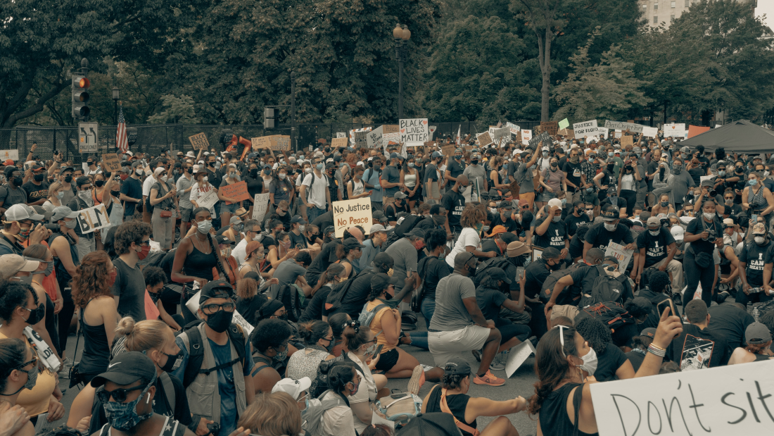 The crowd kneels at the Black Lives Matter protest in Washington DC 6/6/2020